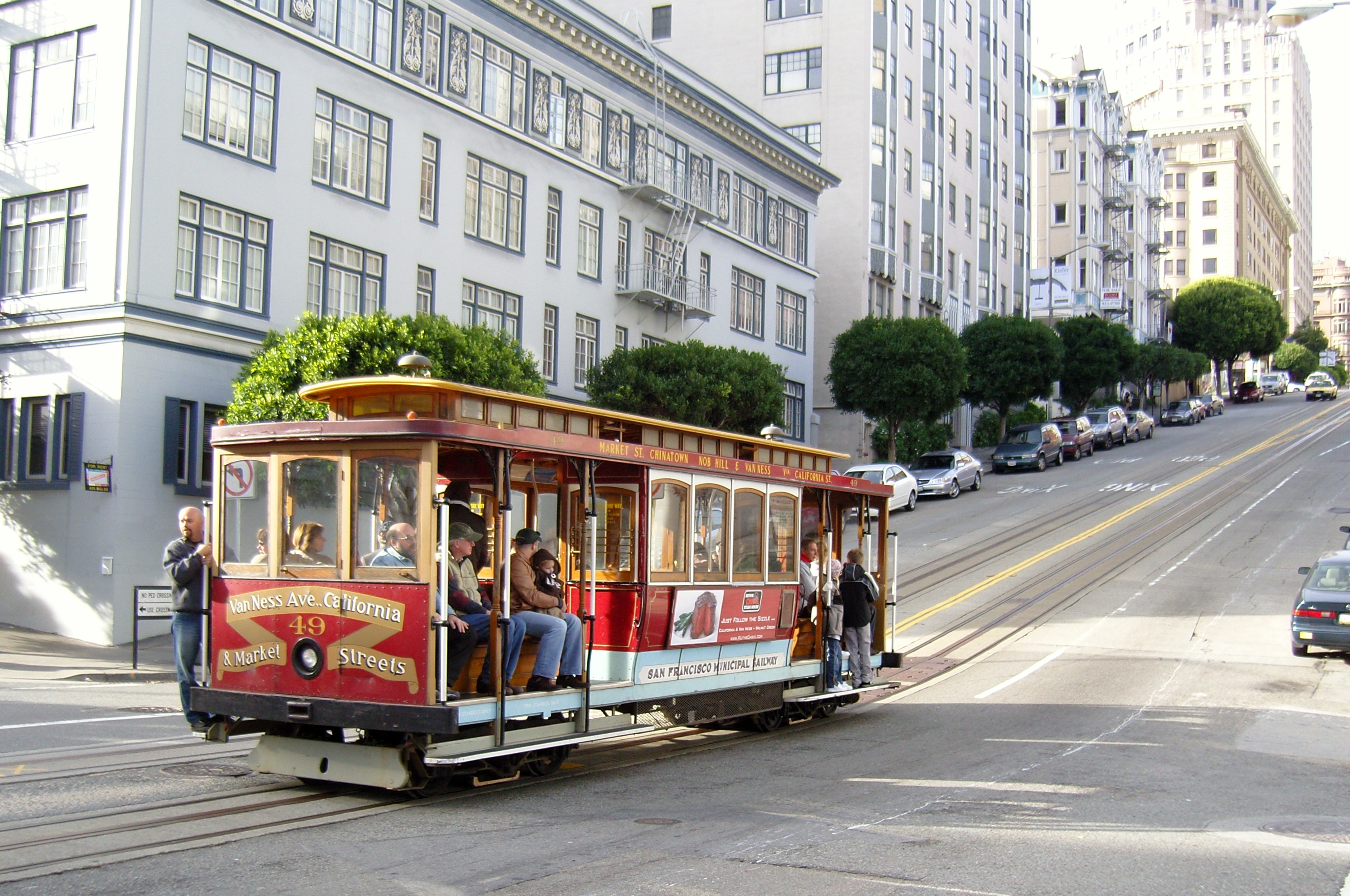 Yes, this is the famous San Franciscan train.